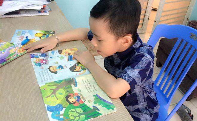 Lợi ích lớn từ việc dạy con qua các bài thơ cho trẻ mầm non
