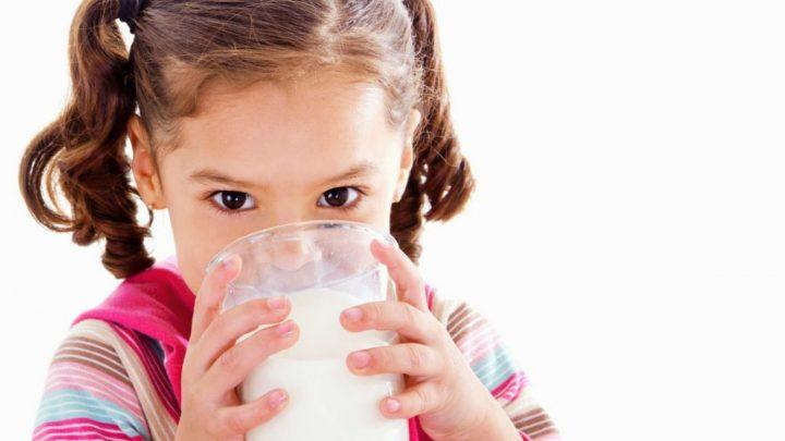 Trẻ 3 tuổi nên uống sữa gì để tăng cân và phát triển chiều cao?
