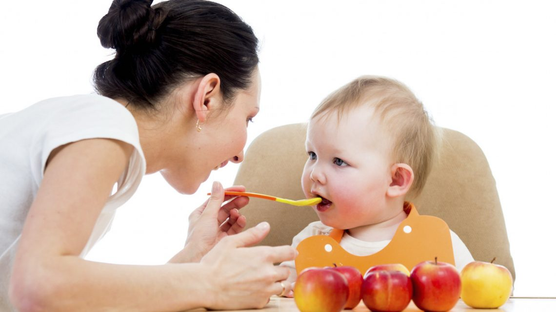 Trẻ 6 tháng ăn được những gì các mẹ đã biết chưa?