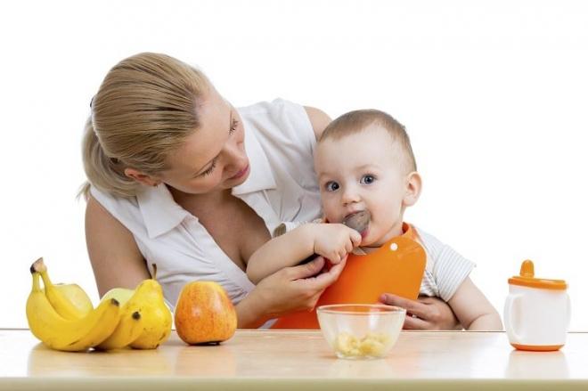 Trẻ 6 tháng tuổi ăn được những gì