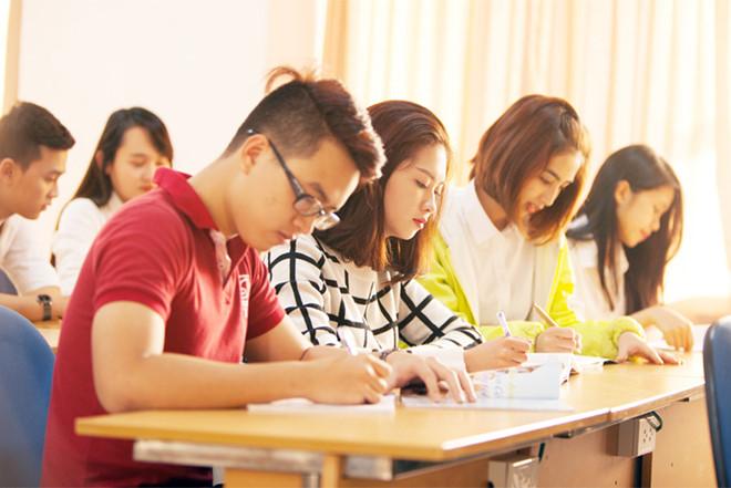 Nên học Thạc sĩ hay Văn bằng 2? Hệ học nào có lợi thế hơn?